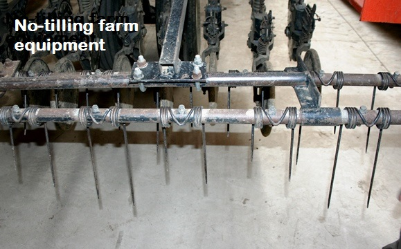 No-tilling farm equipment spikes
