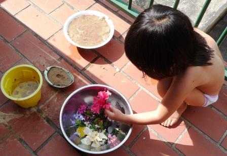 simple ways to garden with kids 1