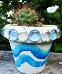 Nature garden crafts - painted plant pot