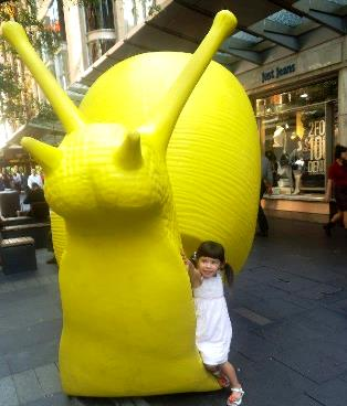 Large yellow snail and Jessie