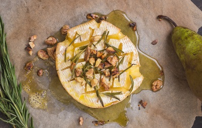 Baked brie, walnut and rosemary